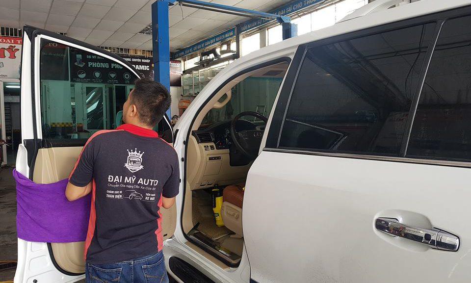Kinh nghiệm chăm sóc nội thất ô tô tại Đà Nẵng mùa nắng nóng