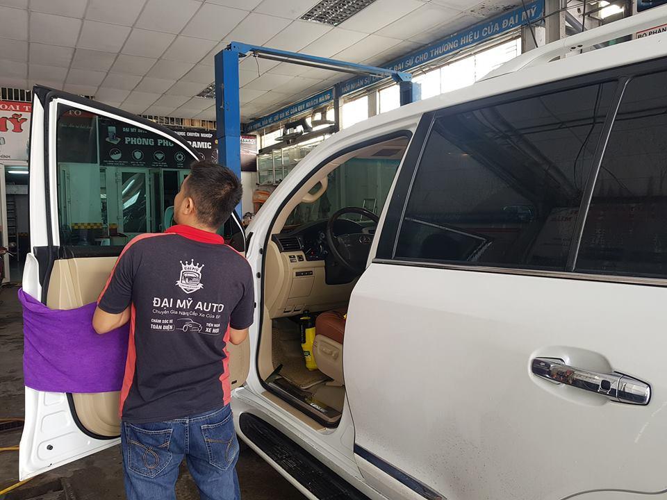 Mẹo chăm sóc nội thất xe hơi, ô tô trong thời tiết nắng nóng