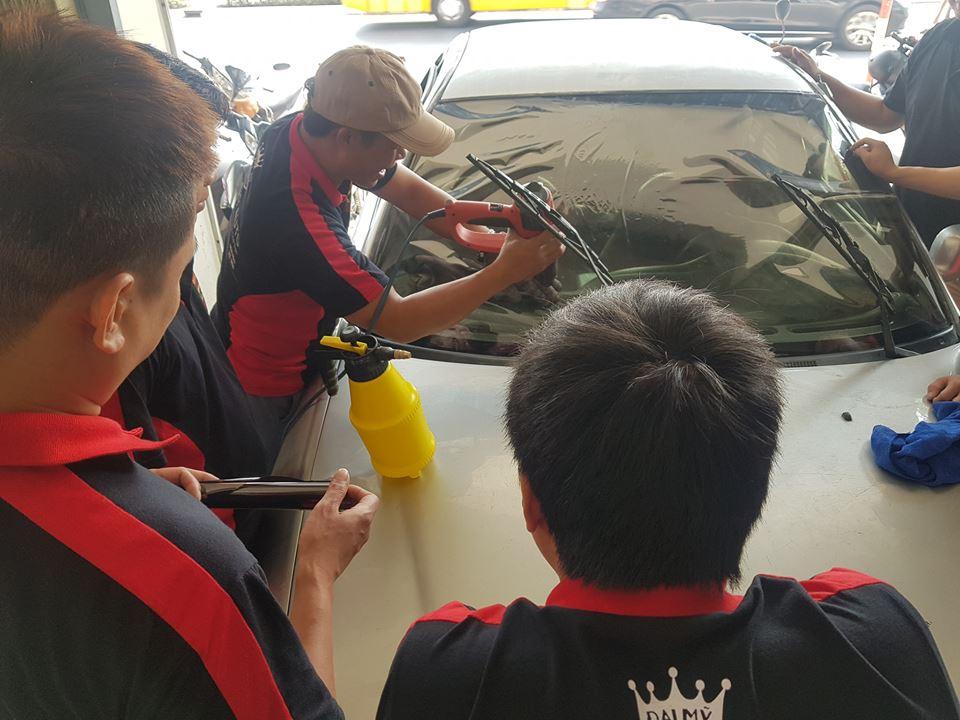 Trung tâm đào tạo chăm sóc xe hơi, dạy nghề 100% chuyên nghiệp