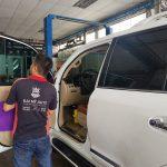 Cách chọn và vệ sinh ghế da ô tô, chăm sóc nội thất xe hơi